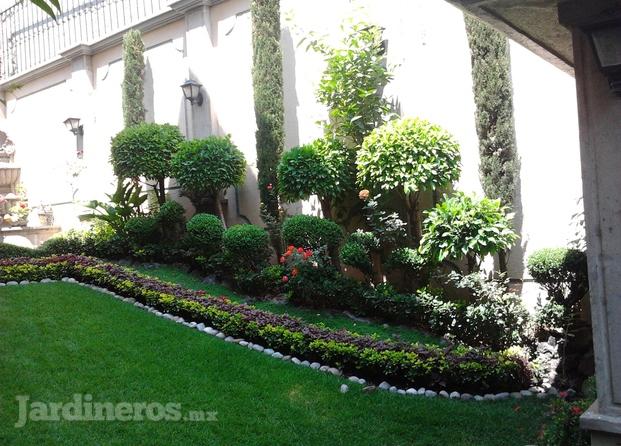 Im genes de jardiner a residencial del bosque - Imagenes de jardineria ...